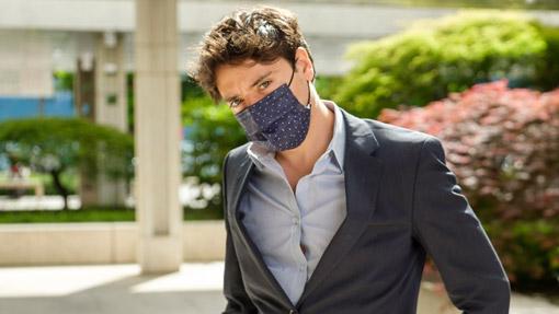 Ragazzo con mascherina TImask