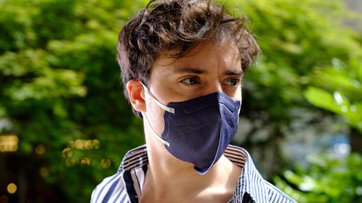Ragazzo con maschera FFP2 TImask